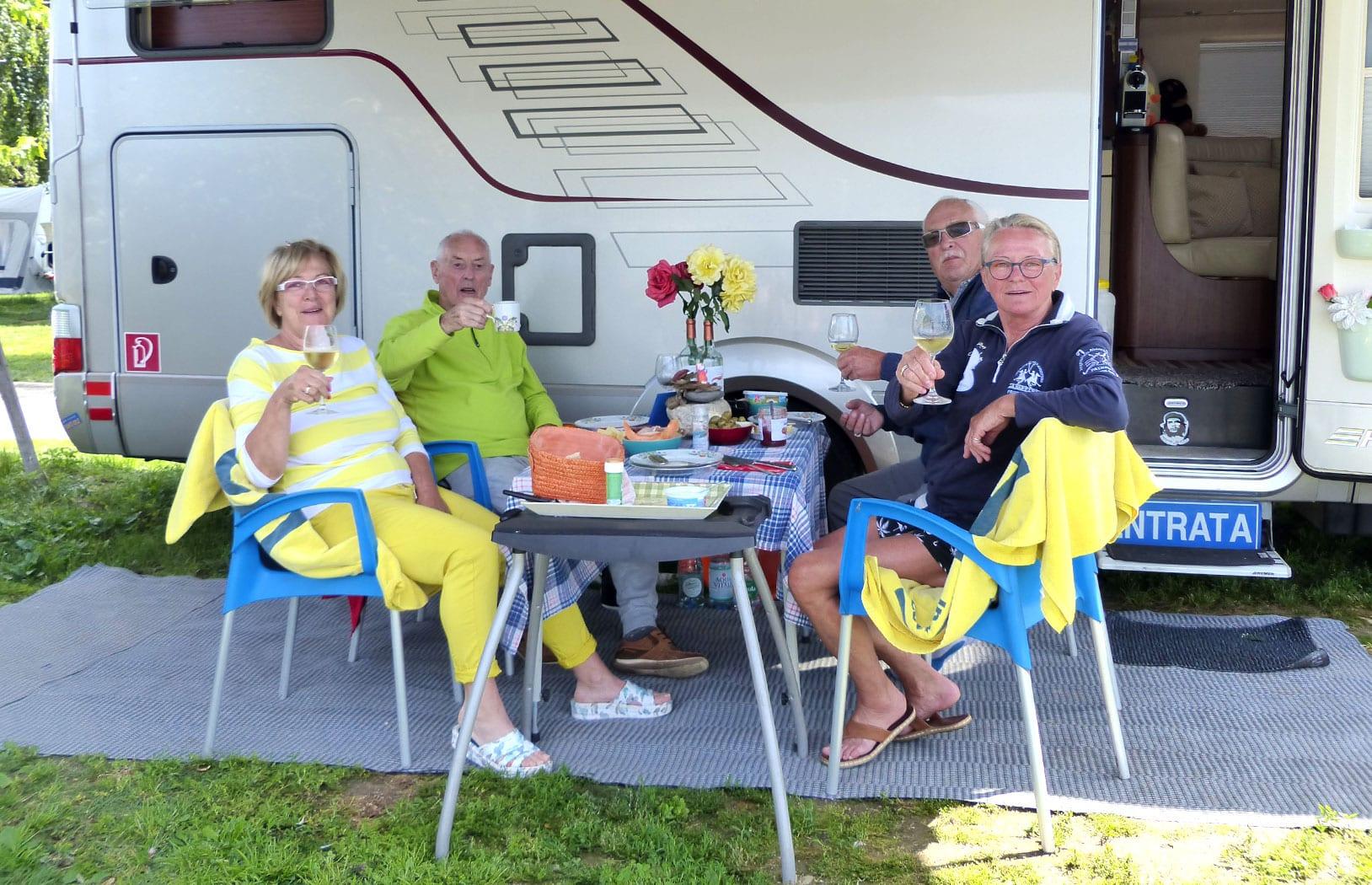 Entspannendes Camping am Lago Maggiore