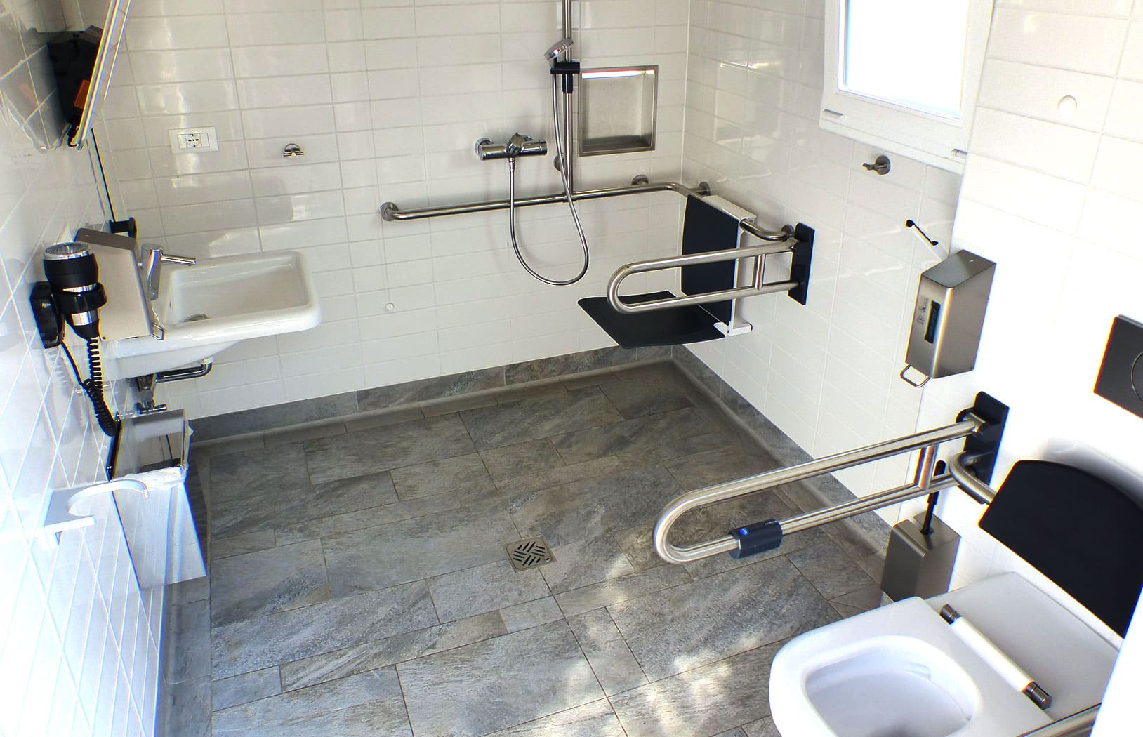 Behinderten gerechte Sanitäranlagen auf-dem Campingplatz
